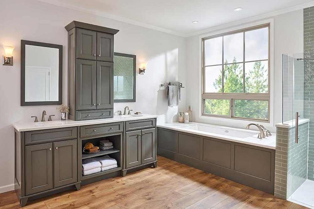 Rockwell-in-Greyloft-with-Sable-Glaze-bath